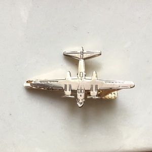 Vintage gold airplane tie clip, with propellers